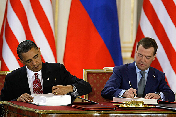 Obama Medvedev Sign Start Treaty On Nuclear Weapons But