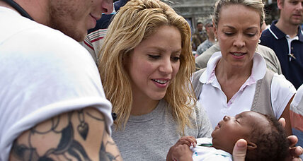 Shakira visits Sean Penn, launches effort to help rebuild Haiti