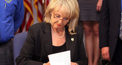 Obama, Arizona Gov. Brewer face off over illegal immigration