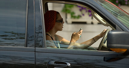 Bans on texting while driving don't reduce crashes, study says