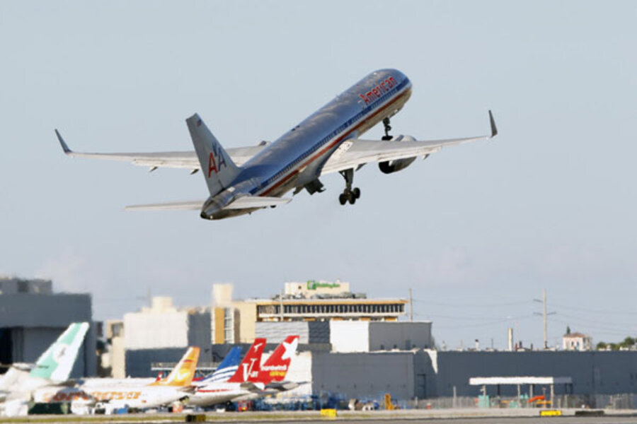 boeing 757 hole forces flight 1640 to make emergency