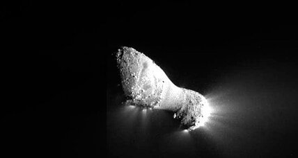 Comet Hartley 2: NASA rendezvous a success, even better pics on the way