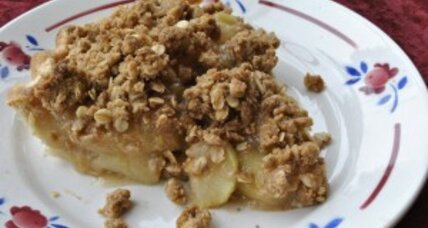 Perfect apple crumble pie