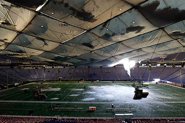 Metrodome Collapse Video: Watch Vikings Stadium Crushed by ...