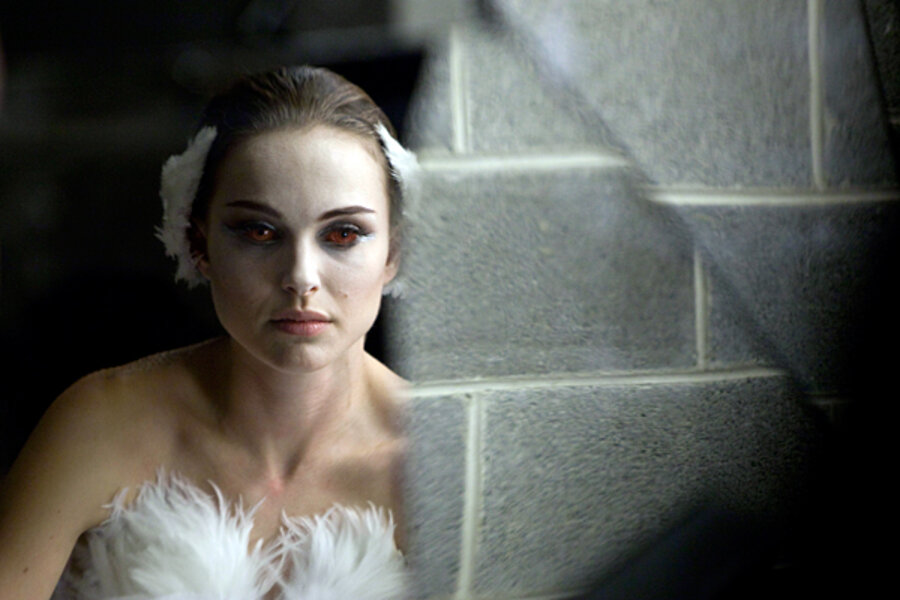Natalie Portman, a deeply dark 'Black Swan': movie review ...