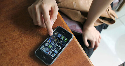 Smartphones patent war heats up