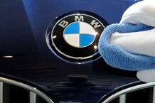 csmarchives/2010/12/SAFETYBMW.JPG