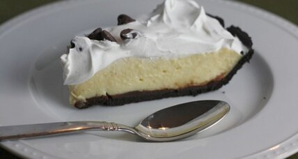 Chocolate Eggnog Pudding Pie