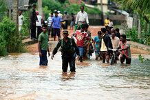 csmarchives/2011/01/0114-OSRILANKA-FLOODS.jpg
