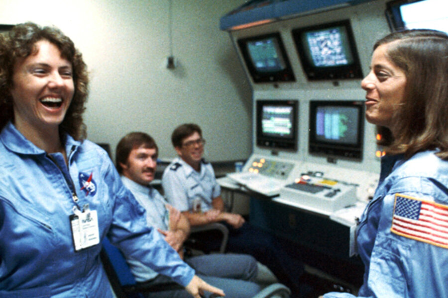 Christa McAuliffe honored by NH school on Challenger ...