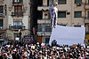 Egypt protesters hang Hosni Mubarak in effigy, hold together in solidarity