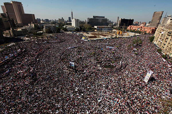 http://images.csmonitor.com/csmarchives/2011/02/0218-OQARADAWI-egypt-prayers.jpg?alias=standard_600x400