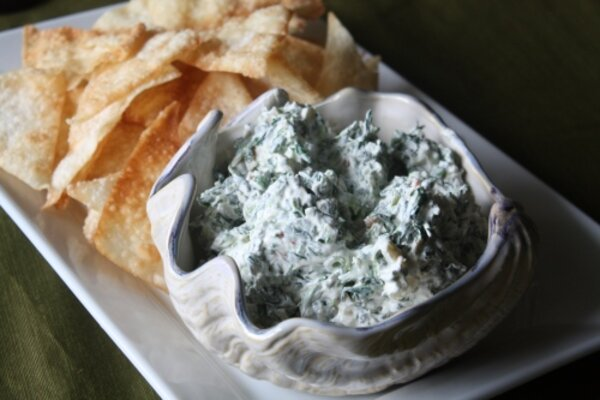Super Bowl recipes: Spinach dip and fried wonton chips - CSMonitor.com