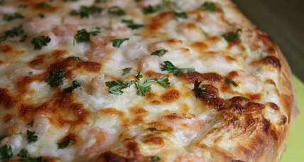 White garlic shrimp pizza