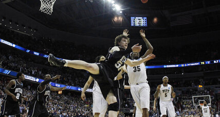 NCAA Tournament 2011: Top buzzer-beaters and wild finishes (VIDEO)