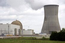 csmarchives/2011/03/nuclearpowerplant-0321_1.jpg