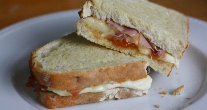 Grilled brie, prosciutto, and apricot sandwich