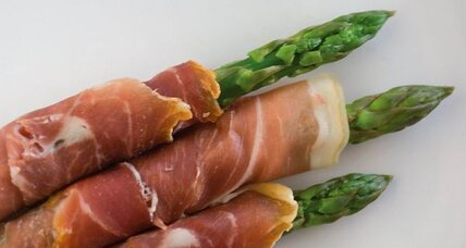 Baked prosciutto-wrapped asparagus