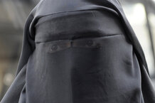 csmarchives/2011/04/burqa.jpg