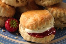 csmarchives/2011/04/cream scones.jpg