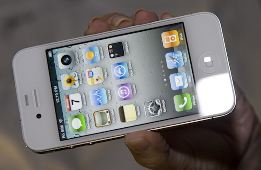 White iPhone 4 arrives. What took so long? - CSMonitor.com