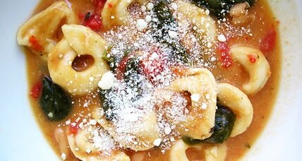 Spinach and tomato tortellini soup