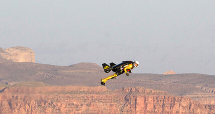 'Jetman' zooms along rim of Grand Canyon in first US flight