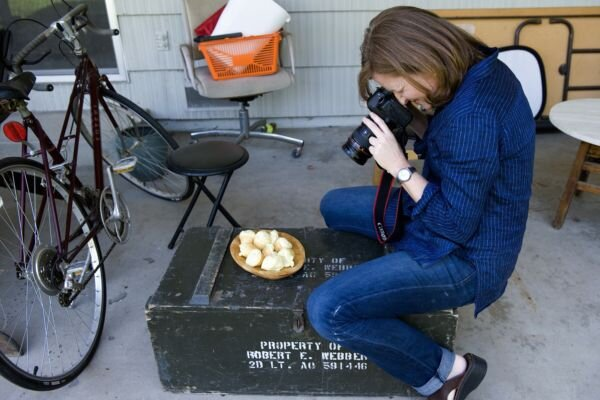 The 2011 saveur best food blog awards csmonitor elise bauer photographs her recipe of brazilian cheese bread for her food blog on the back porch of her parents kitchen in sacramento calif forumfinder Gallery