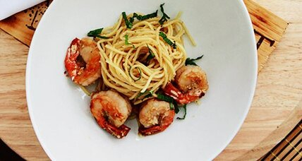 Garlic noodles with prawn