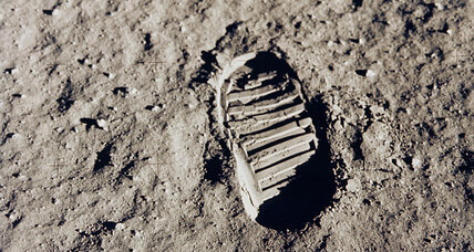 Moon dust from Apollo 11 mission discovered at St. Louis auction house