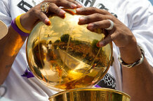 csmarchives/2011/06/nbafinalstrophy.jpg