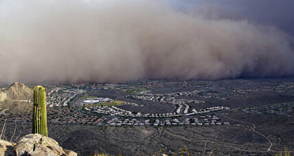 Phoenix dust storm makes for dangerous driving and delays flights (Video)