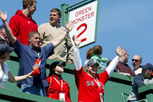 csmarchives/2011/08/0805-FENWAY-GREEN-MONSTER.jpg