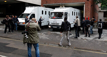 London riots subdued, wheels of justice begin to turn [VIDEO]