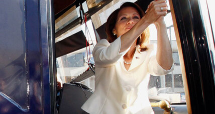 Michele Bachmann wins Iowa straw poll, edging out Ron Paul
