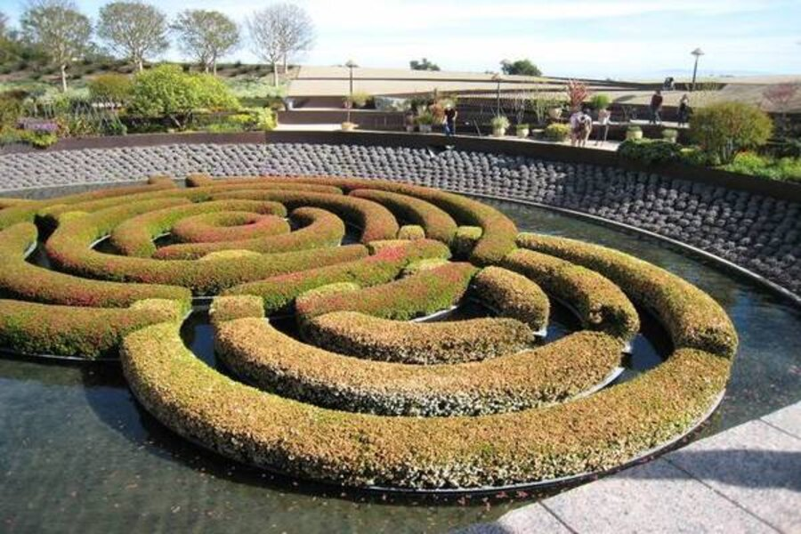 Three water garden design ideas from the Getty Center - CSMonitor.com