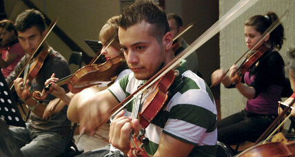 Young Iraqis find solace in the symphony