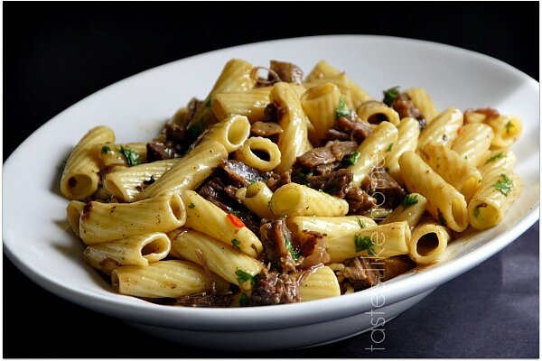 Pasta with short ribs