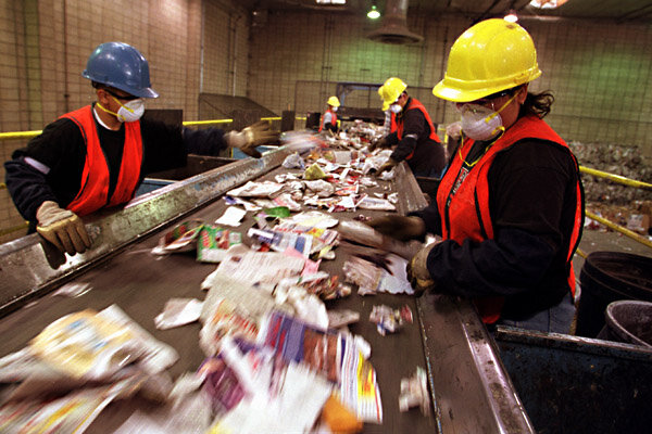 Burbank Recycling Center >> Will environmental regualtion hurt California job growth? - CSMonitor.com