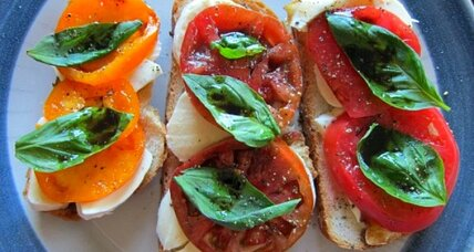 Meatless Monday: Heirloom tomato tartine