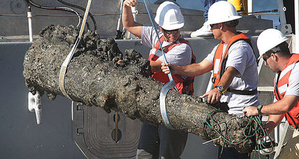 Blackbeard: Pirate's 300-year-old cannon resurfaces