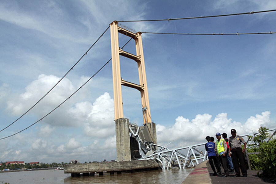 Indonesia targets crumbling roads to boost economy