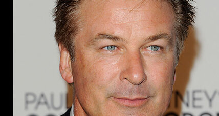 Alec Baldwin apologizes to himself on Saturday Night Live