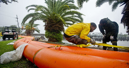 Hurricane Isaac: New Orleans braces for test of its storm preparations (+video)