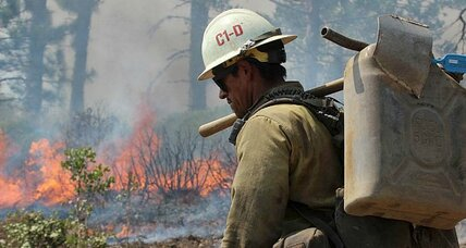 Yosemite fire grows slowly, but so does containment