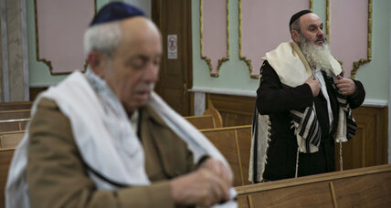 Amid crisis, Ukraine's Jews say 'leave us out of it'